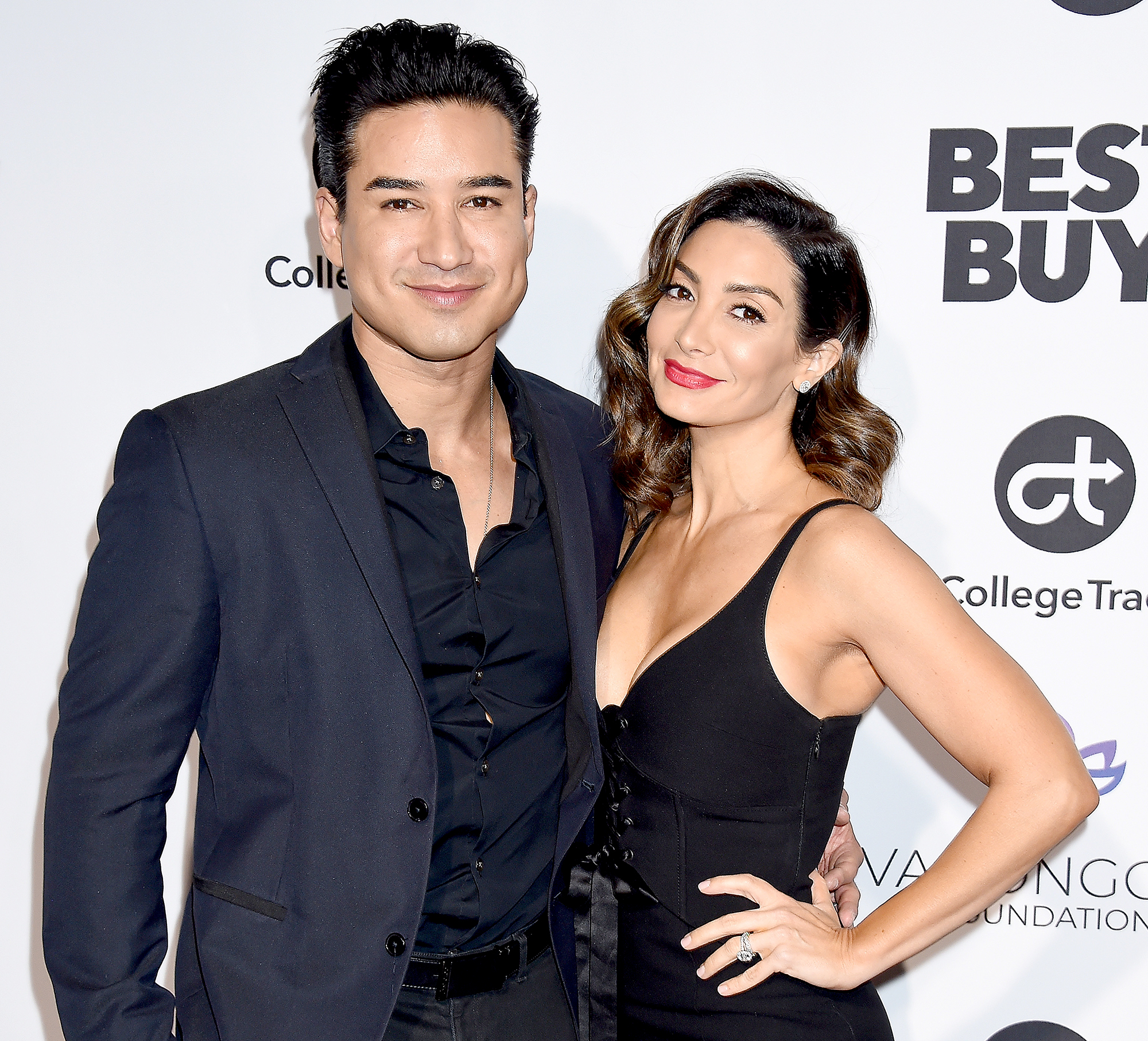 Mario Lopezs Wife Courtney Is Pregnant With Baby No 3