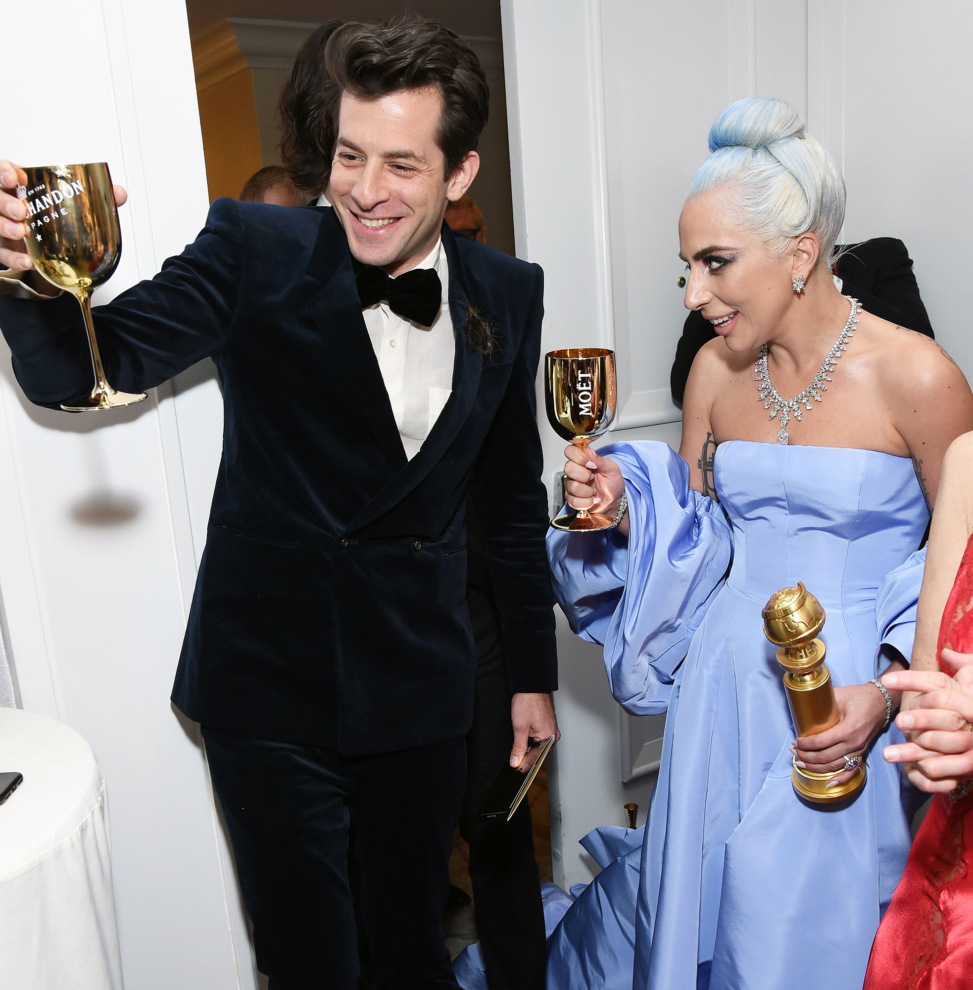 """Inside Golden Globes 2019 Lady Gaga Mark Ronson - Mark Ronson and Lady Gaga celebrated their Best Original Song win for """"Shallow"""" from A Star Is Born with champagne."""