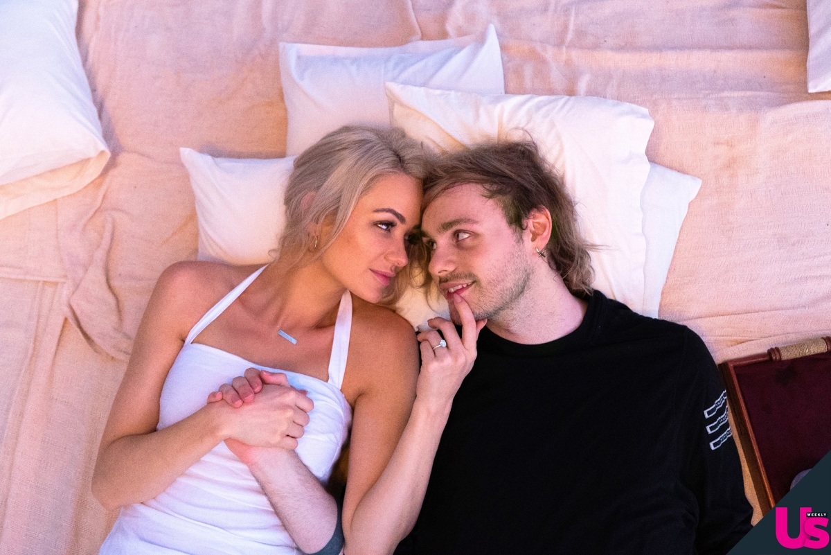 db9cacdc7471 5 Seconds of Summer's Michael Clifford Is Engaged to Girlfriend Crystal  Leigh: Pics