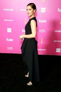 Minka Kelly 5 Celebs Who Swear By CBD-Infused Beauty Products