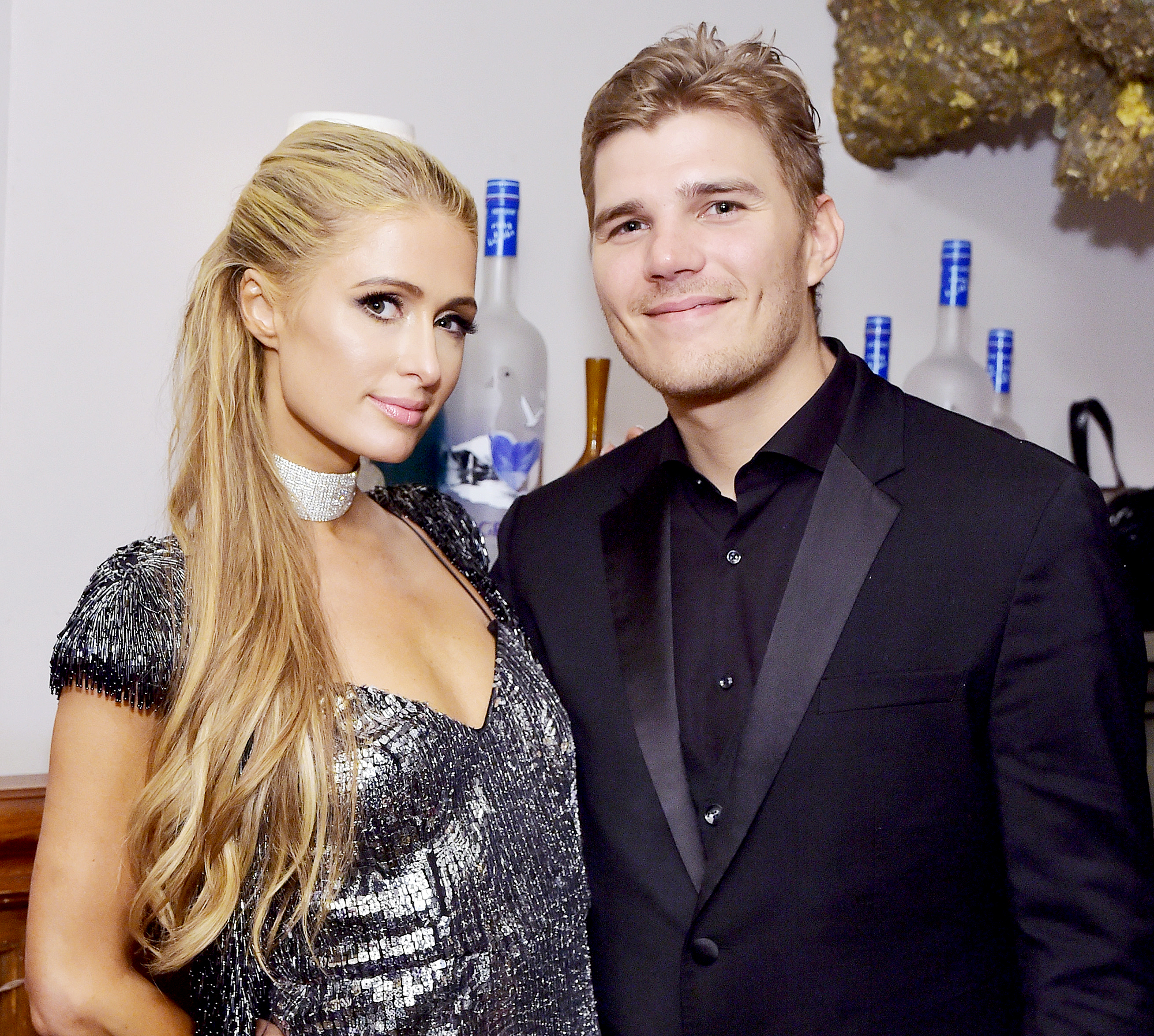 """Paris-Hilton-and-Chris-Zylka-split - Paris Hilton and Chris Zylka at """"THE DEATH AND LIFE OF JOHN F. DONOVAN"""" premiere party hosted by GREY GOOSE Vodka and Soho House at Soho House Toronto on September 10, 2018 in Toronto, Canada."""