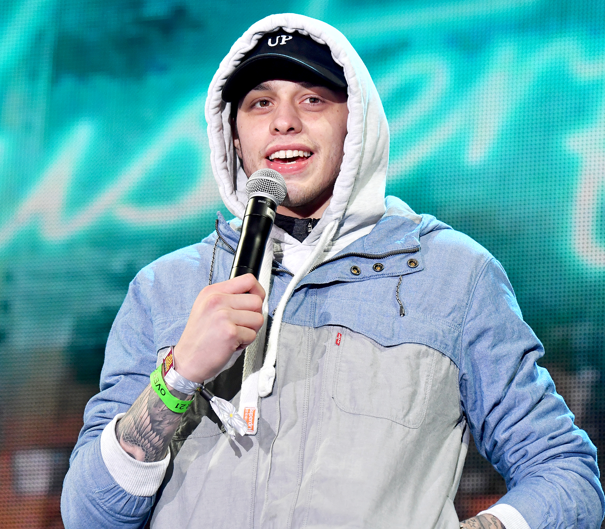 "Pete-Davidson-speaks-against-r-kelly - The Saturday Night Live star joked about Kelly during his stand-up comedy show in January 2019. ""I thought I was having a bad year …"""