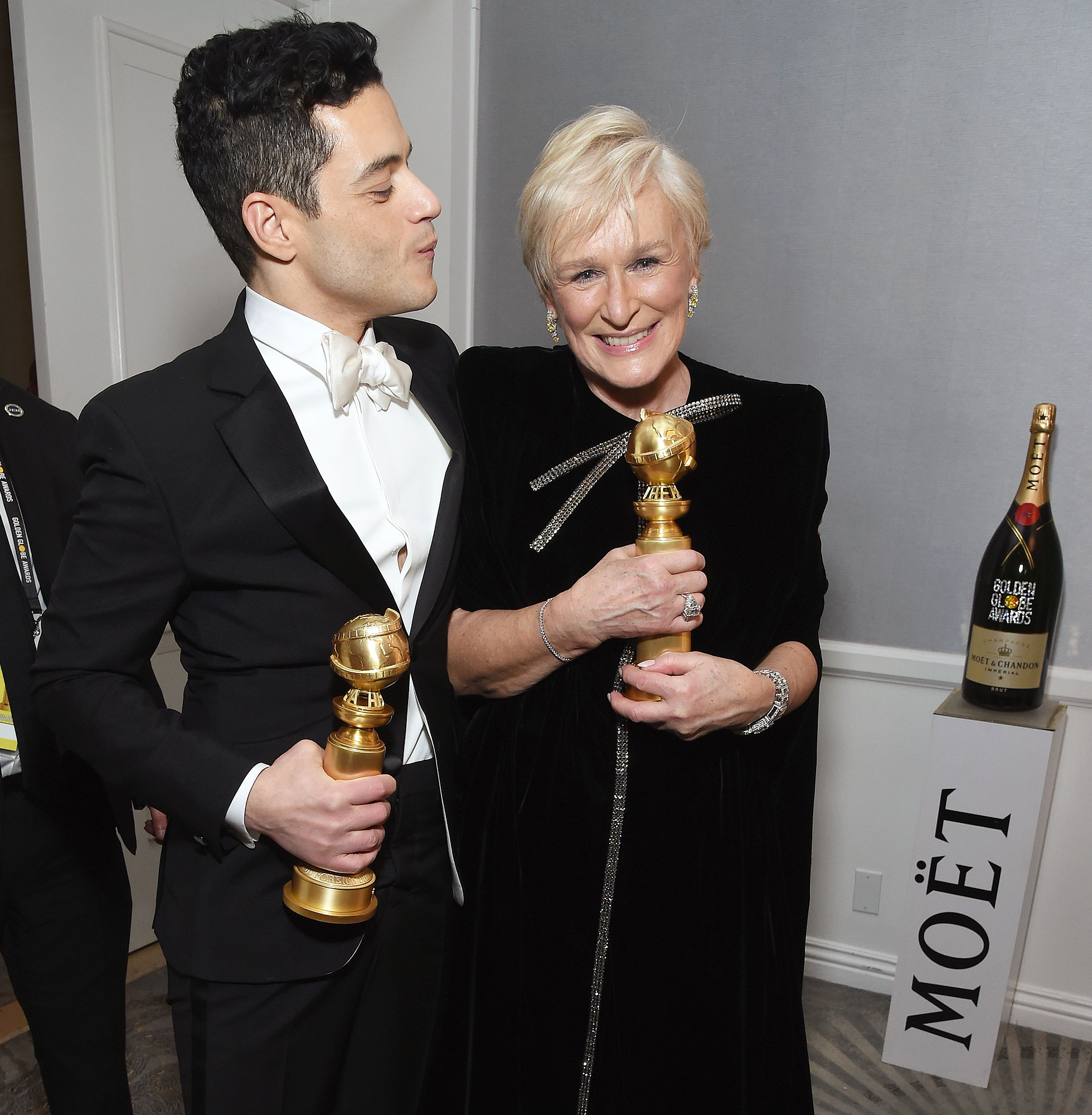 Inside Golden Globes 2019 Rami Malek Glenn Close - Rami Malek and Glenn Close compared trophies backstage after their big acting wins for Bohemian Rhapsody and The Wife , respectively.