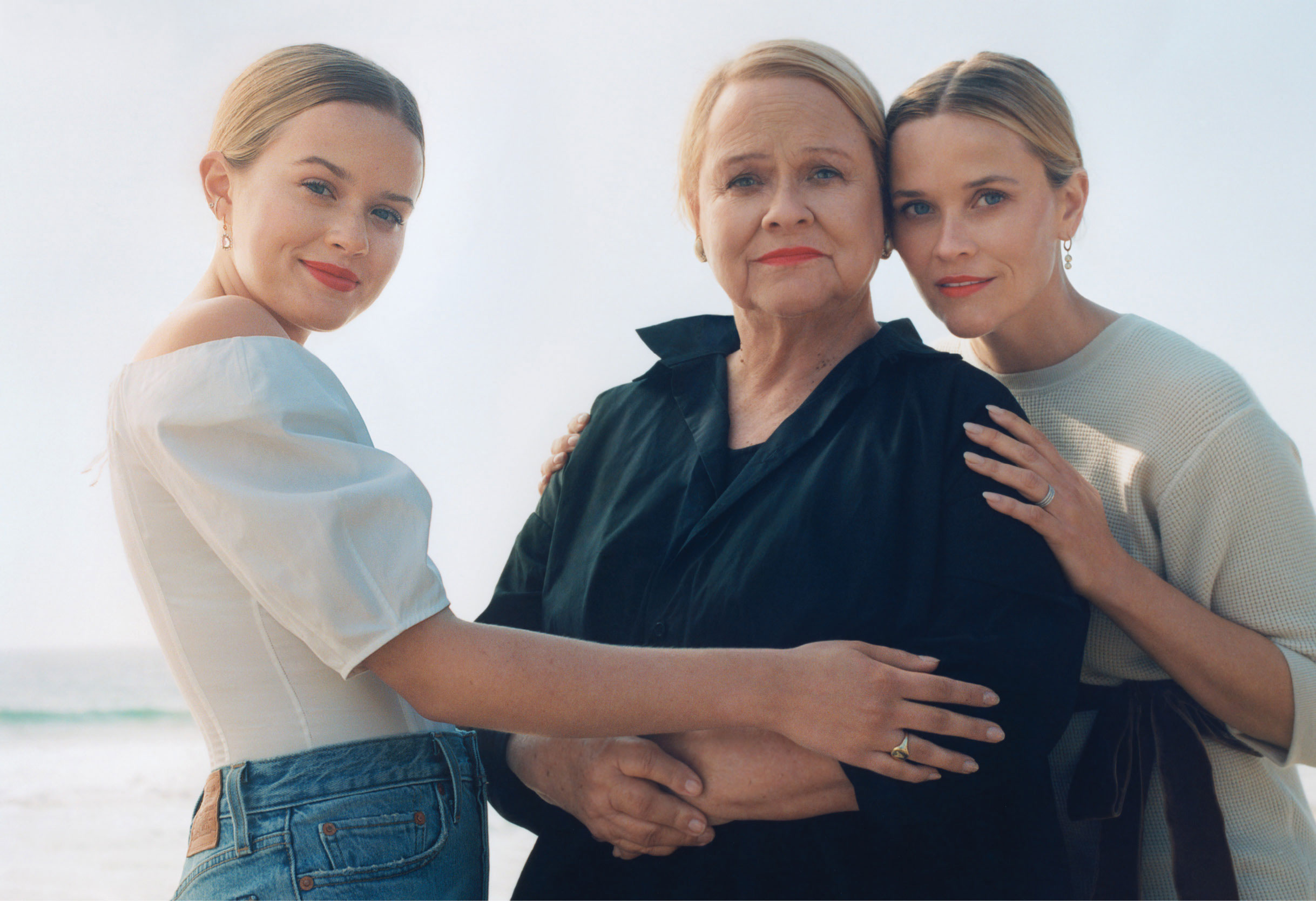Reese Witherspoon Posed With Her Mom and Daughter on the February Cover of 'Vogue' - Reese Witherspoon Posed With Her Mom and Daughter