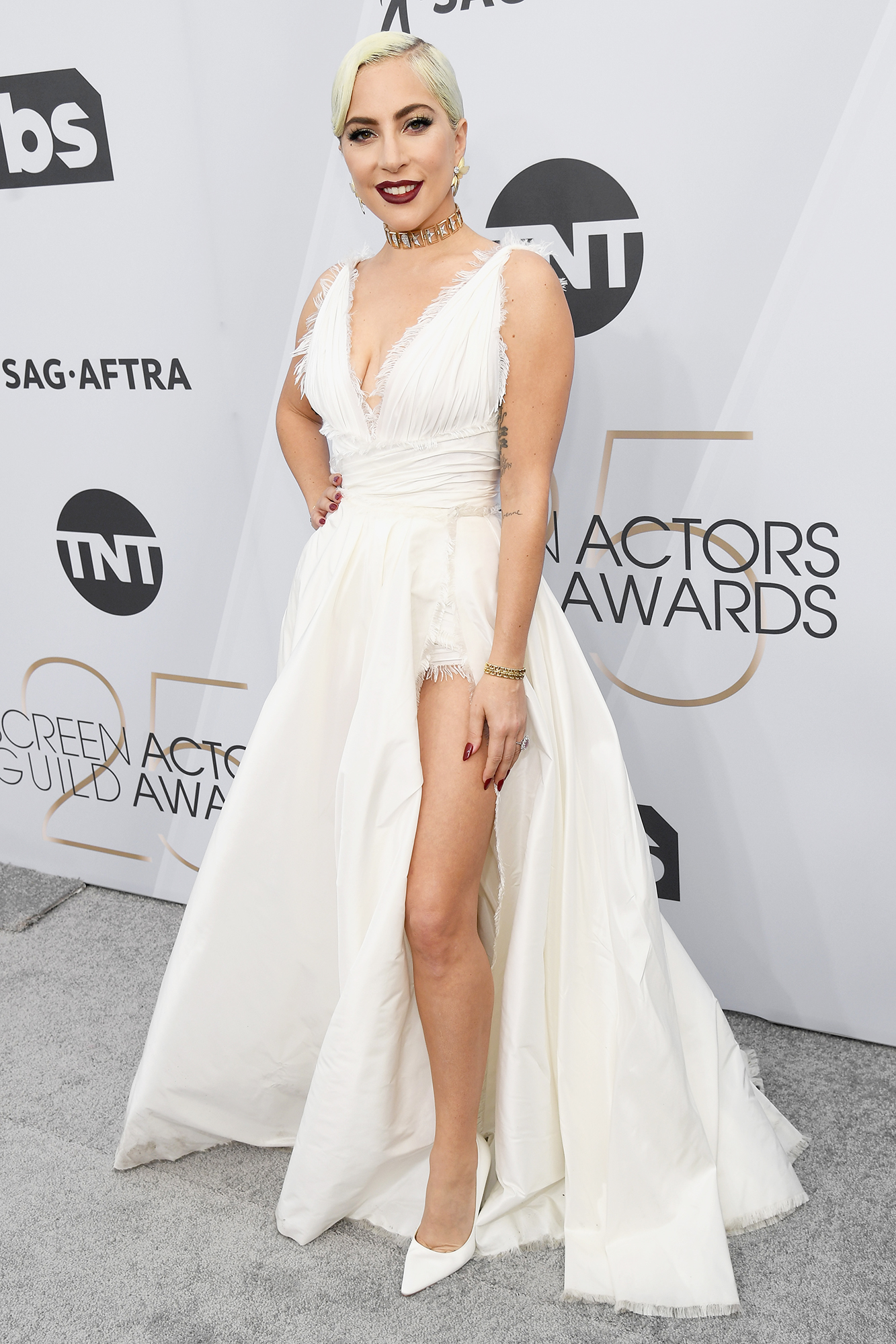 bcdd5cced SAG Awards 2019 Red Carpet Fashion: See Celeb Dresses, Gowns