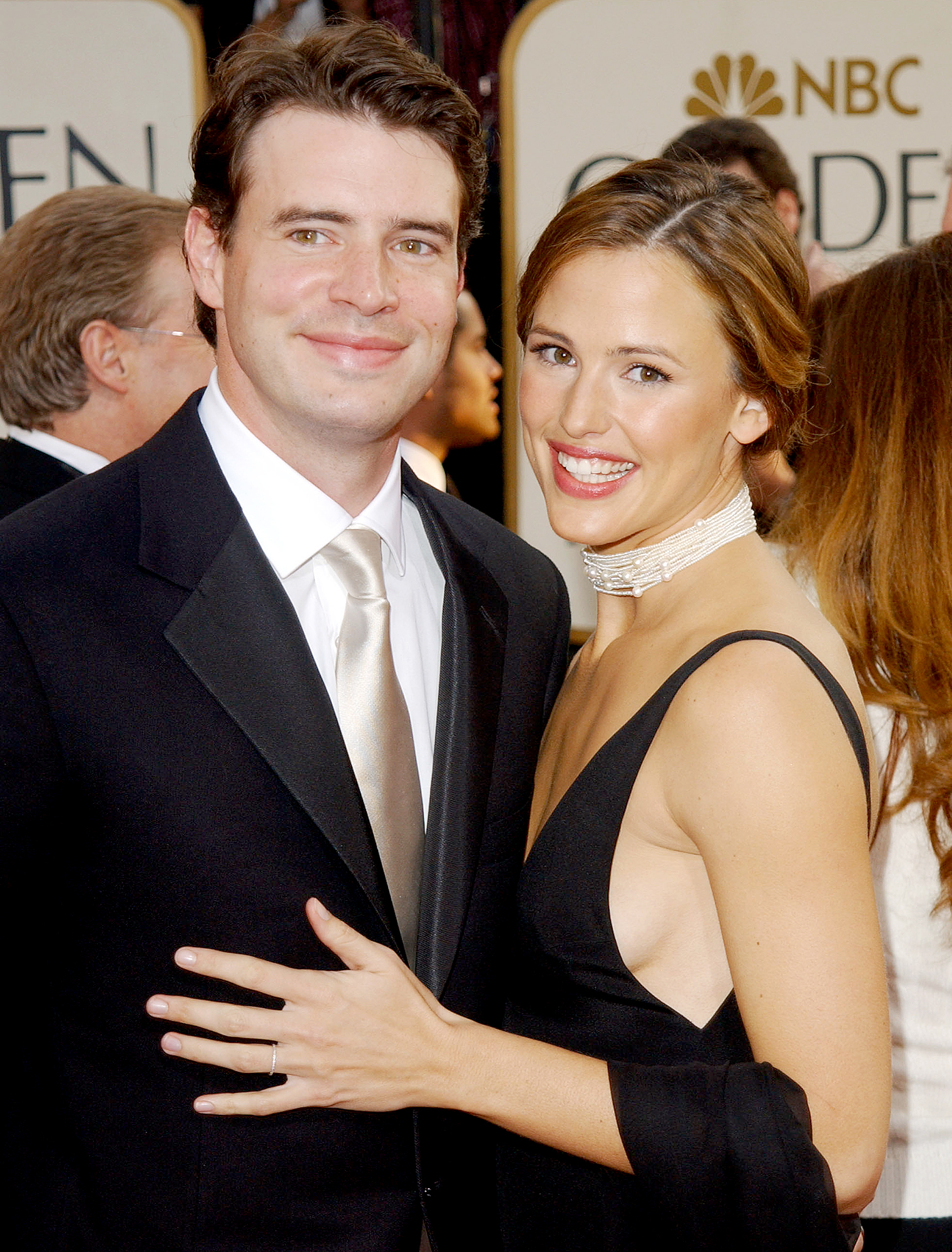 Scott-Foley-and-Jennifer-Garner - BEVERLY HILLS, CA – JANUARY 19: Actors Scott Foley and wife Jennifer Garner attend the 60th Annual Golden Globe Awards at the Beverly Hilton Hotel on January 19, 2003 in Beverly Hills, California. (Photo by Jon Kopaloff/Getty Images)
