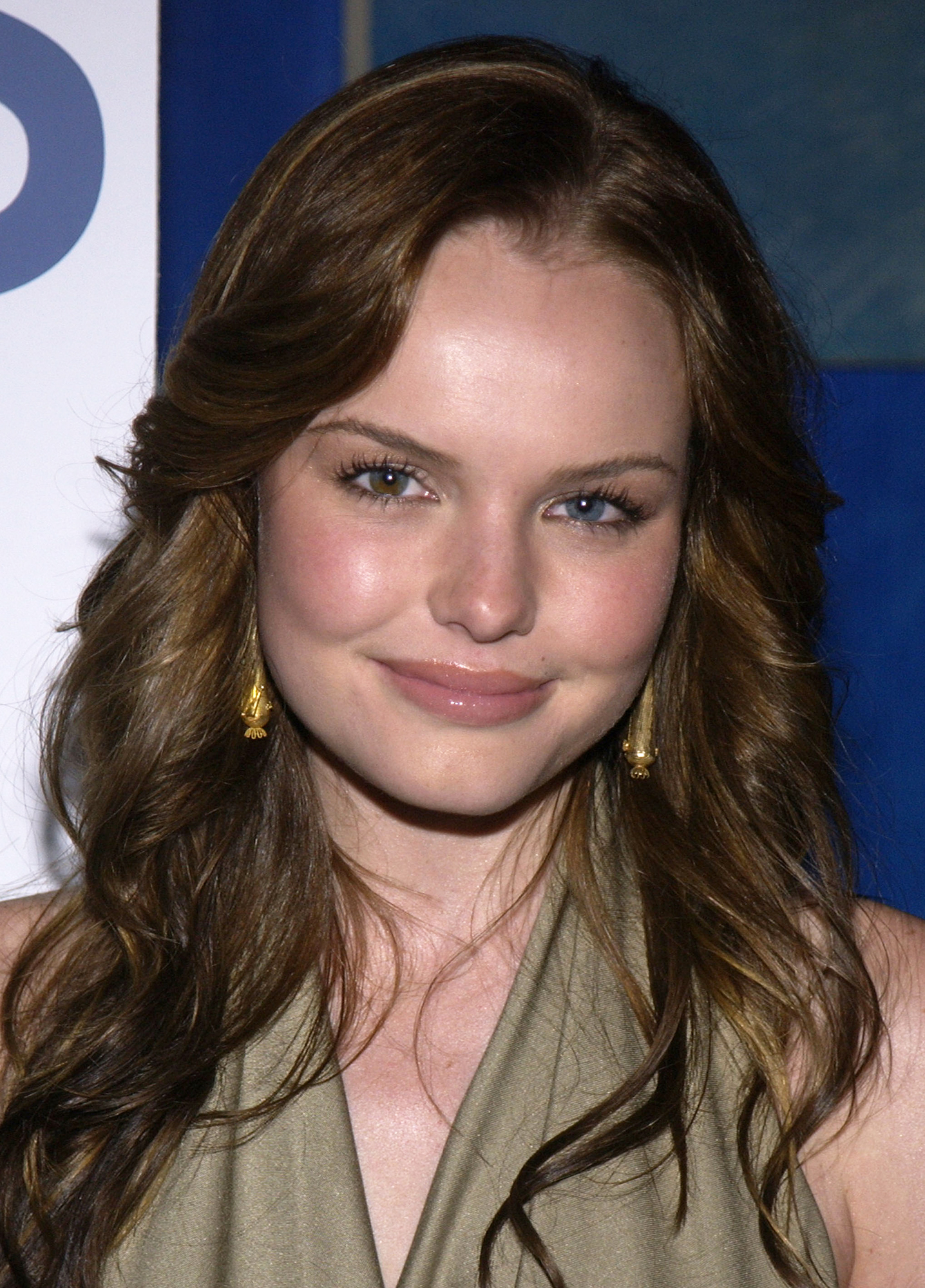 See Birthday Girl Kate Bosworth's Best Beauty Moments - The actress briefly ditched her signature blonde locks for a darker 'do in 2002.