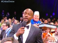 Taye Diggs Joey's Burgers Guy photobombing Critics' Choice Awards 2019