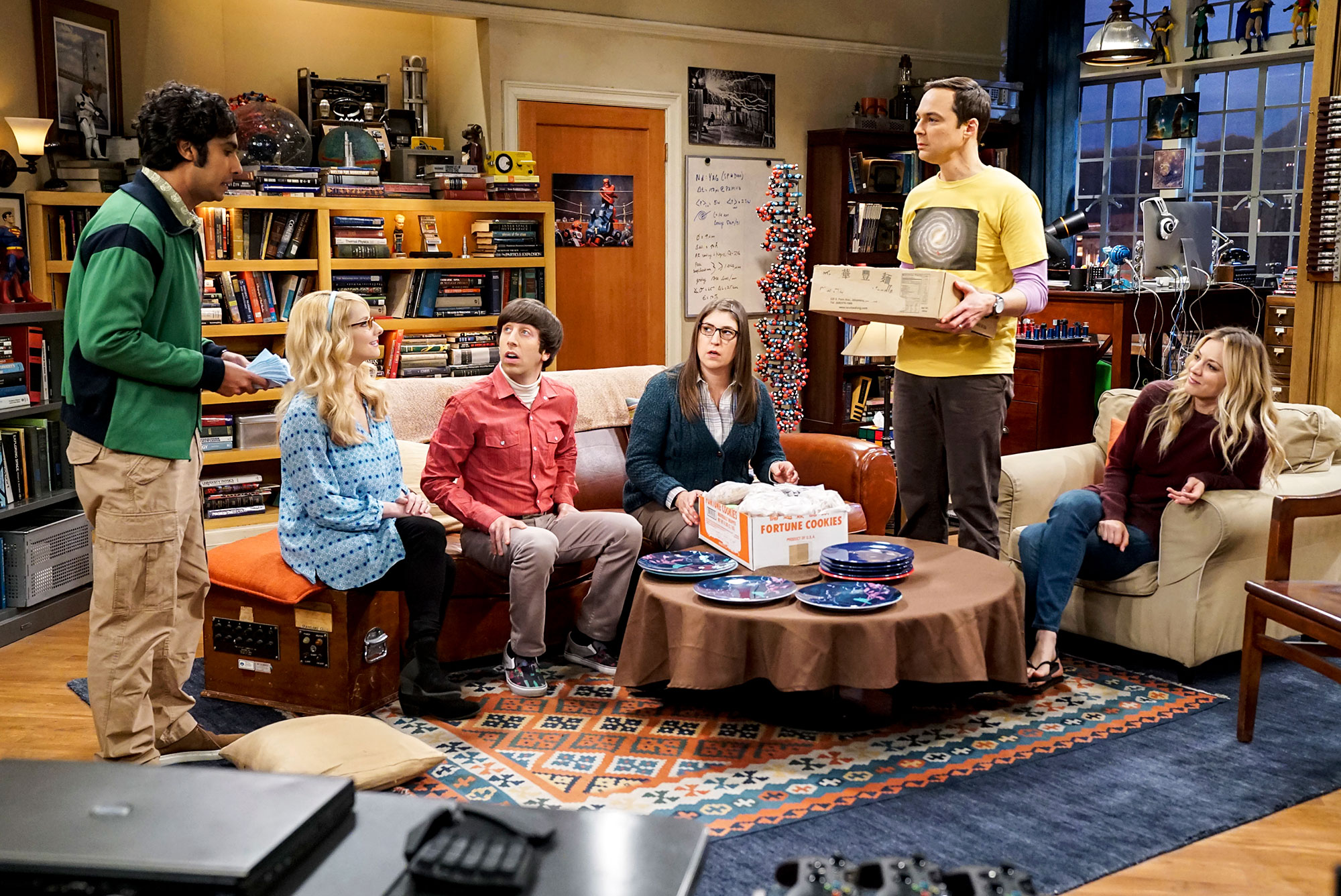 The Big Bang Theory Spinoff - Kunal Nayyar, Melissa Rauch, Simon Helberg, Mayim Bialik, Jim Parsons and Kaley Cuoco on 'The Big Bang Theory.
