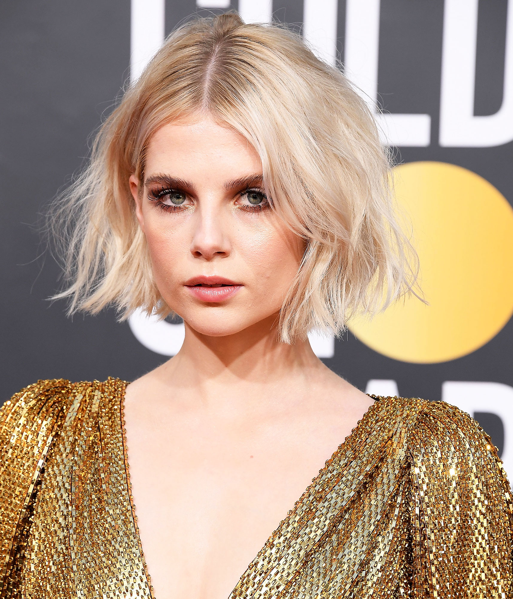Lucy Boynton - The Bohemian Rhapsody actress proved at the Golden Globes that the combo of good hair and great lashes is all you need to be bonafide beauty star. Celeb mane woman Jenny Cho added a bit of undone texture to the platinum chin-length style using Suave products (we recommend the Refresh & Revive Dry Shampoo to boost body).