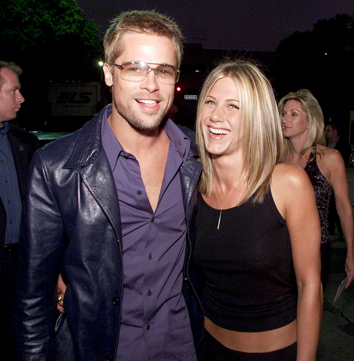 whos Jennifer Aniston dating