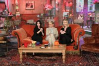Ellen Recreates Central Perk With Courteney Cox - and 'Friends' Costar Lisa Kudrow Drops by