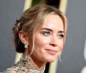 emily-blunt-golden-globes-2019-makeup