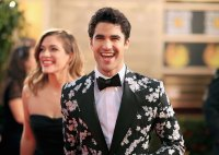 Darren Criss arrives to the 76th Annual Golden Globe Awards 2019