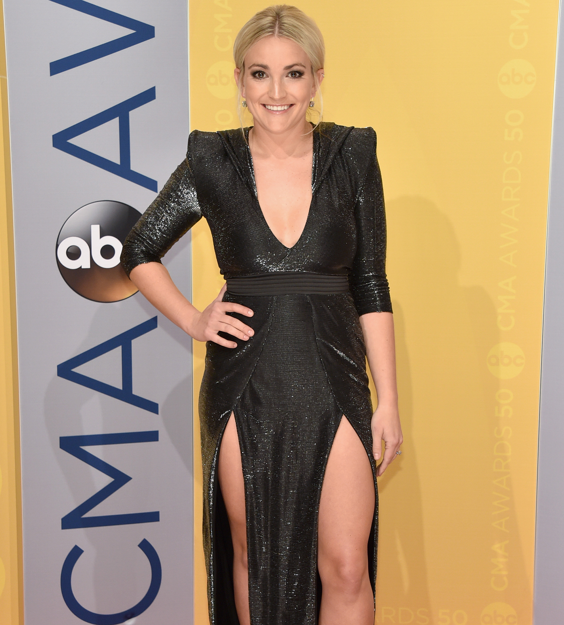 Jamie Lynn Spears Denies Zoey 101 Ended Due to Her Pregnancy - Jamie Lynn Spears attends the 50th annual CMA Awards at the Bridgestone Arena on November 2, 2016 in Nashville, Tennessee.