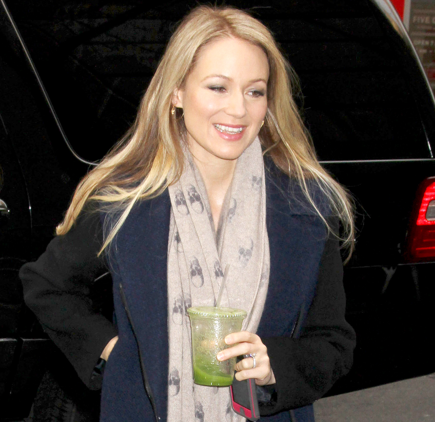 "jewel-smoothie-recipe - Jewel takes wellness seriously — and smoothies are no different. ""I like drinking whole juices, so I use a two-horsepower blender, like a Blendtec"" as opposed to a juicer, which leaves the fiber behind as well as plenty of mess, the singer told Us in 2017."