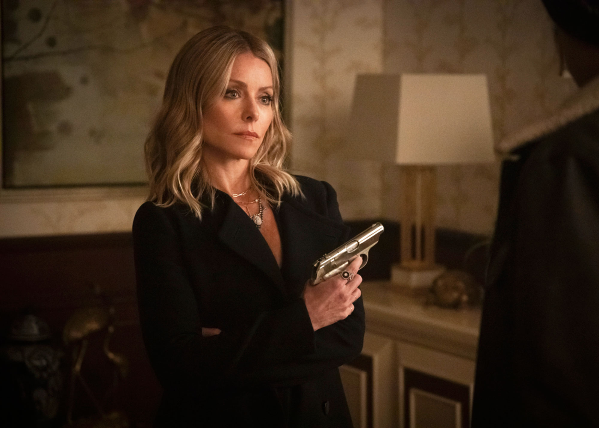 """riverdale kelly ripa - Riverdale — """"Chapter Forty-Six: The Red Dahlia"""" — Image Number: RVD311a_0645.jpg — Pictured: Kelly Ripa as Ms. Mulwray"""