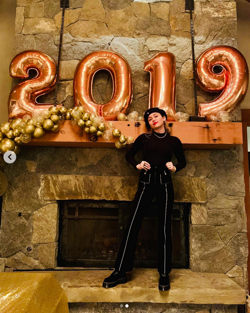 miley-cyrus-liam-hemsworth-new-years-honeymoon-1