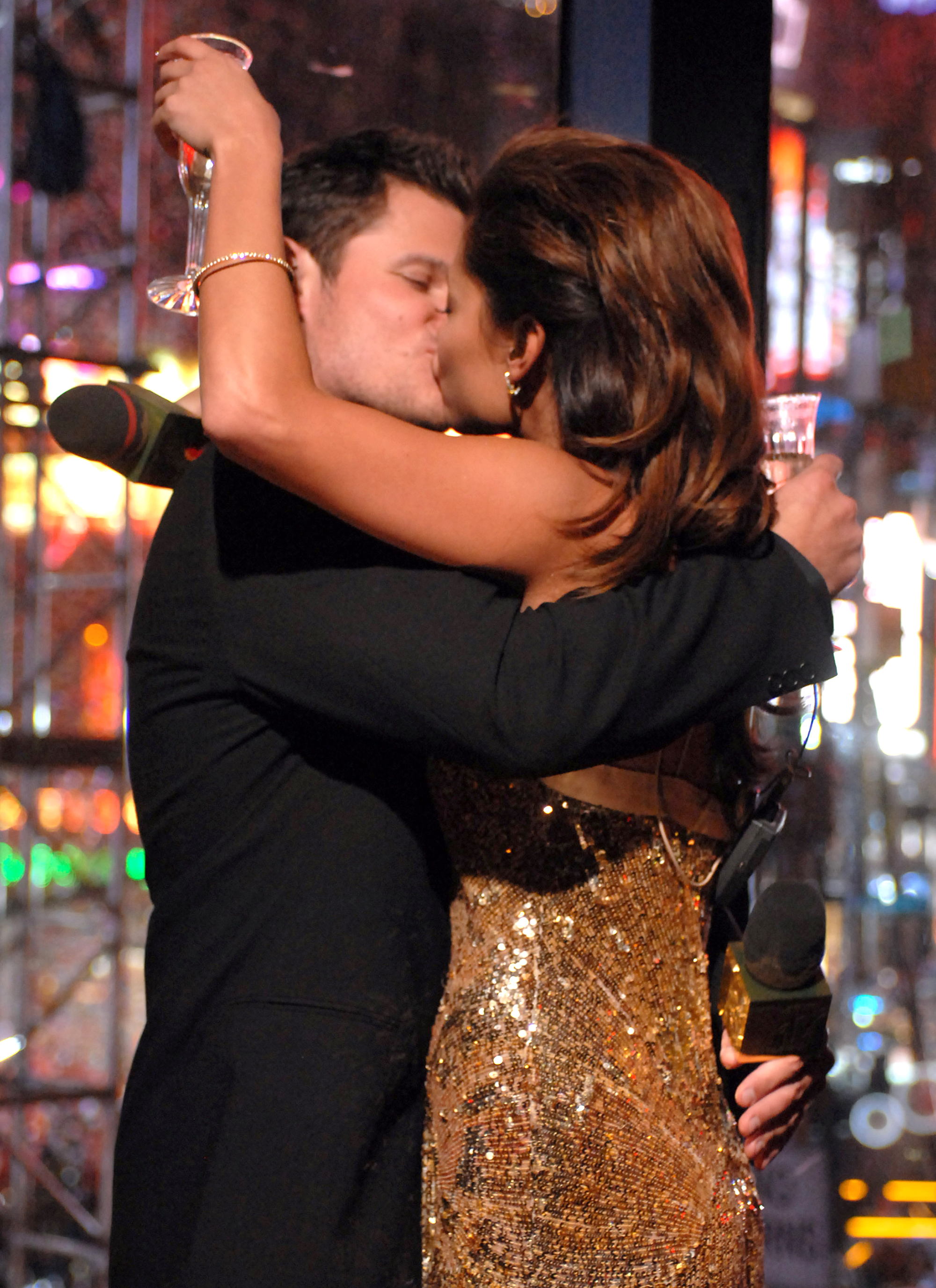 nick lachey who is he dating