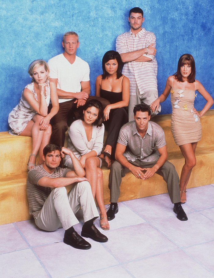 Shannen Doherty, Ian Ziering and More '90210' Cast Members Post Touching Tribute to Costar Luke Perry After His Stroke: 'No Words Can Express What My Heart Feels'