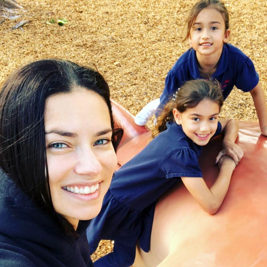 Adriana-Lima-Finds-Little-Makeup-Fingerprints-in-Her-Bathroom-for-the-Cutest-Reason