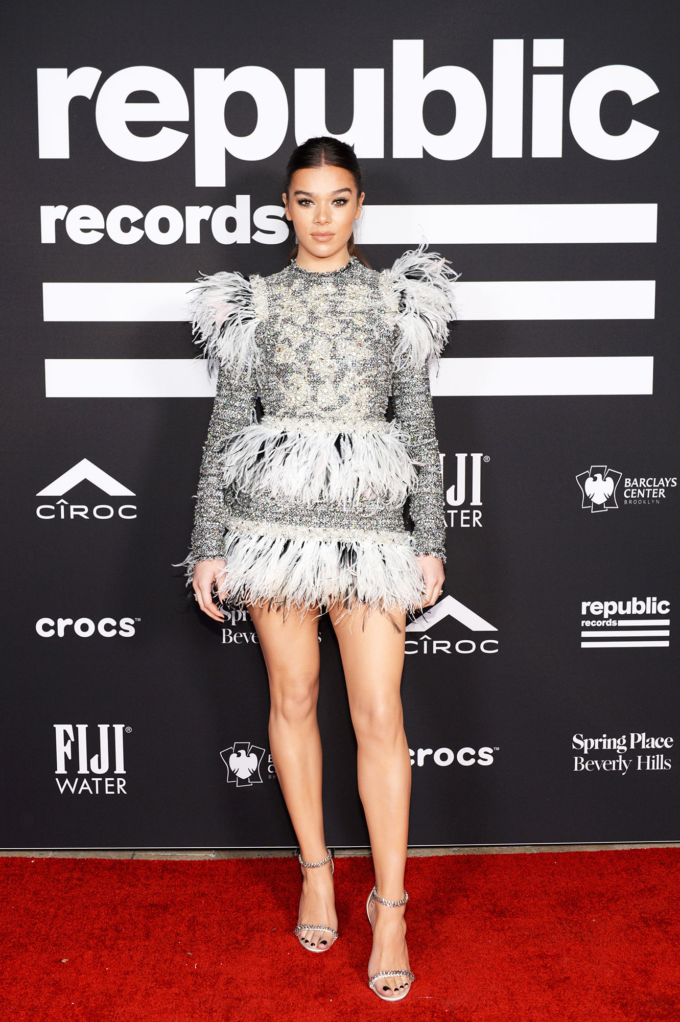 grammys 2019 Hailee Steinfeld - The Bumblebee actress joined friends Turner and Jonas at the Republic Records Grammy After Party wearing a feathery long-sleeve minidress.