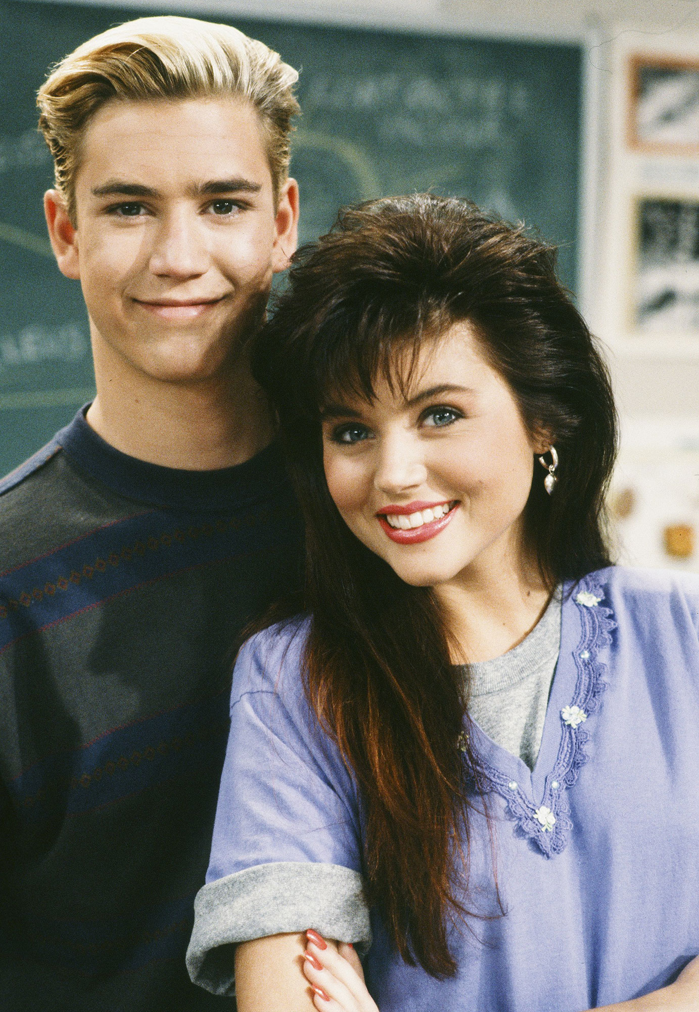 Best TV Couples Saved By The Bell Mark-Paul Gosselaar Tiffani Thiessen - Show: Saved by the Bell Actors: Mark-Paul Gosselaar and Tiffani Thiessen Network: NBC Seasons: 4