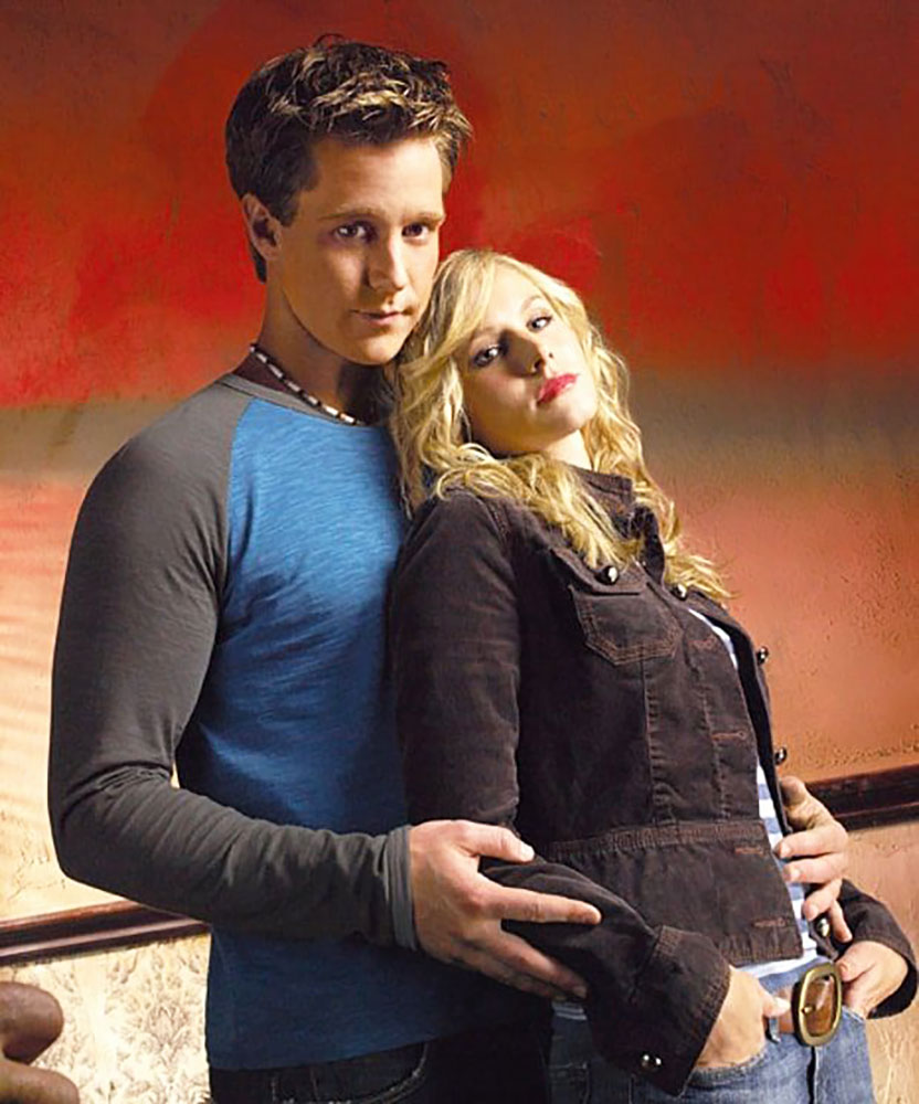 Best TV Couples Veronica Mars Jason Dohring Kristen Bell - Show: Veronica Mars Actors: Jason Dohring and Kristen Bell Networks: UPN and The CW Seasons: 3