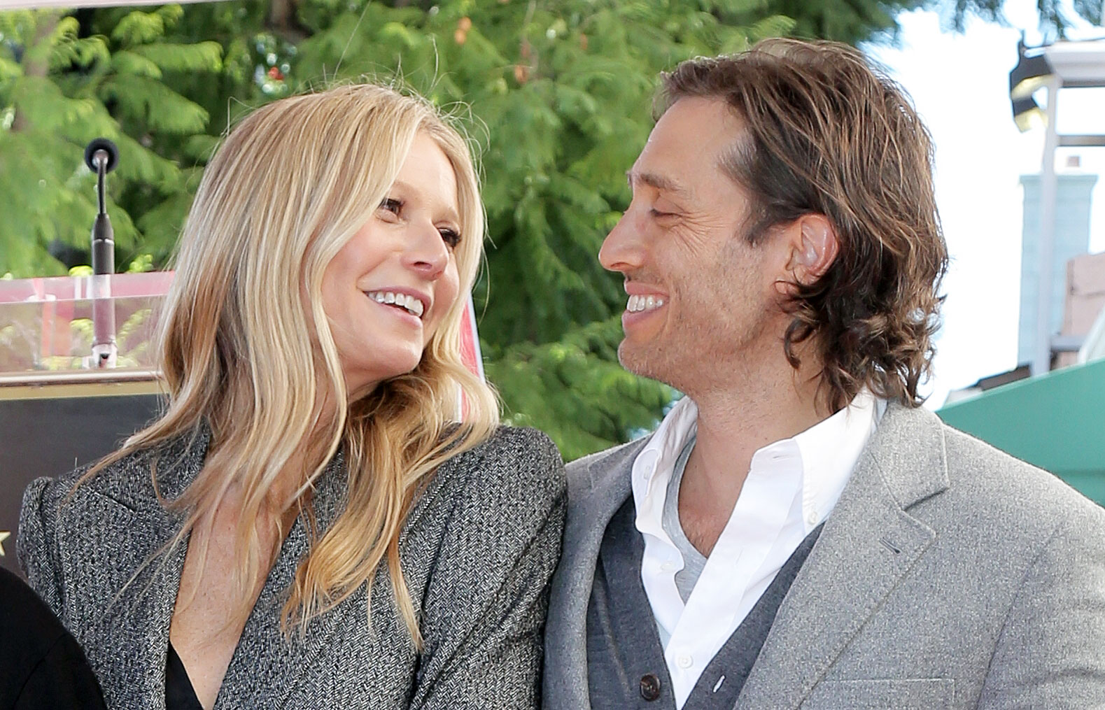 Blythe Danner Gwyneth Paltrow Brad Falchuk Having A Great Time
