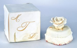 Cake From Donald and Melania Trump's 2005 Wedding Hits Auction Block