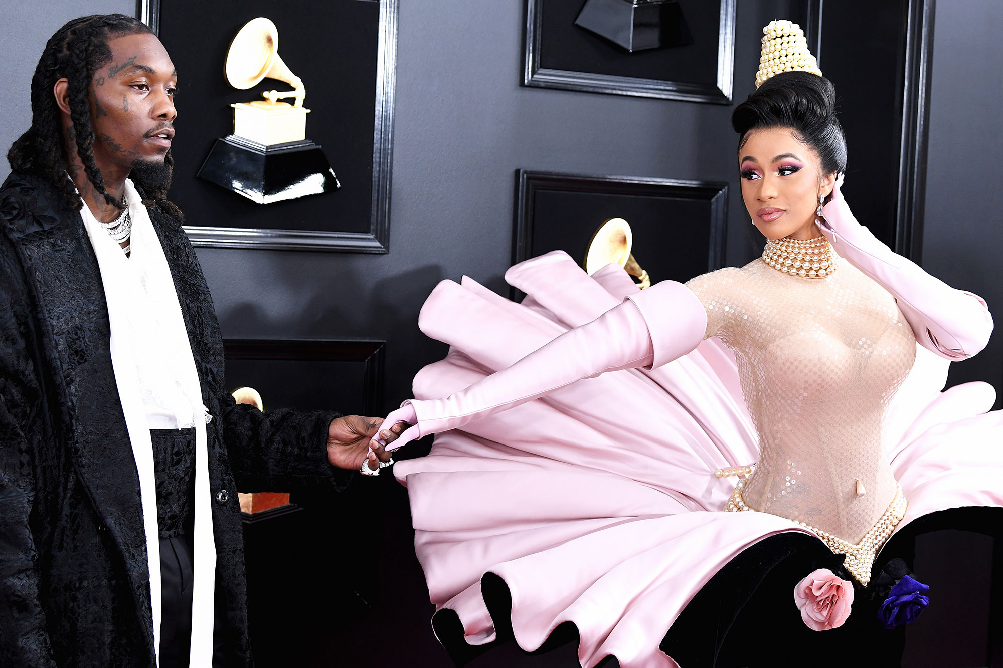 Cardi B Offset Grammys 2019 - After their breakup, Offset made a public apology to his estranged wife while she was mid-performance, presenting her with flowers.