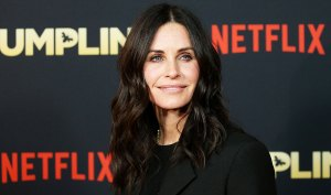 Courteney Cox Up About Losing Her Virginity at 21