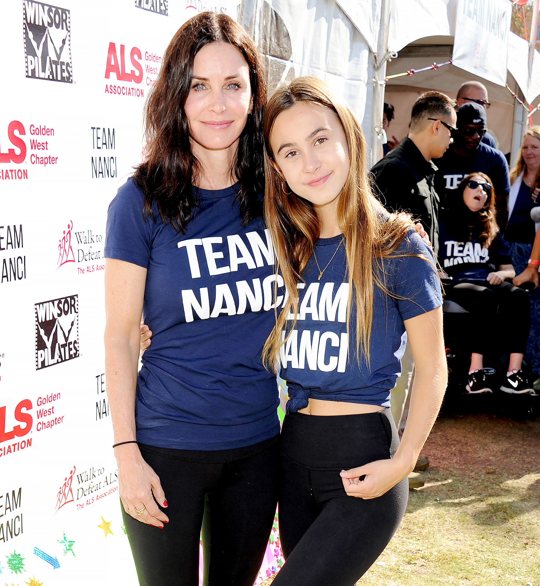 """Courteney-Cox-and-daughter-Coco-Arquette - Courteney Cox and daughter Coco Arquette attend Nanci Ryder's """"Team Nanci"""" 15th Annual LA County Walk To Defeat ALS at Exposition Park on October 15, 2017 in Los Angeles, California."""