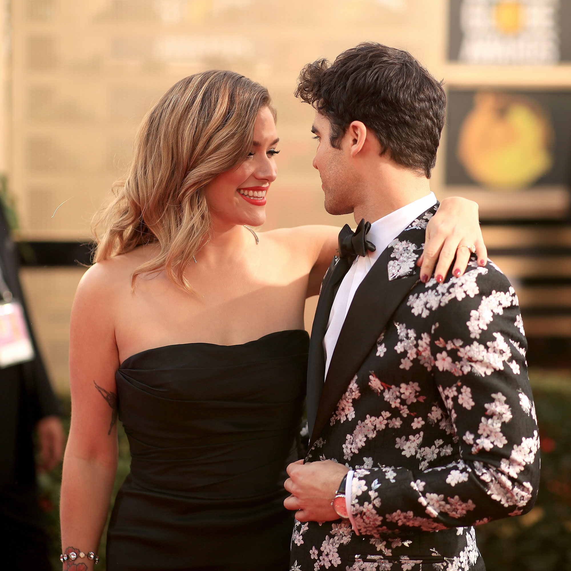 Darren Criss and Mia Swier married - Mia Swier and Darren Criss arrive to the 76th Annual Golden Globe Awards held at the Beverly Hilton Hotel on January 6, 2019.