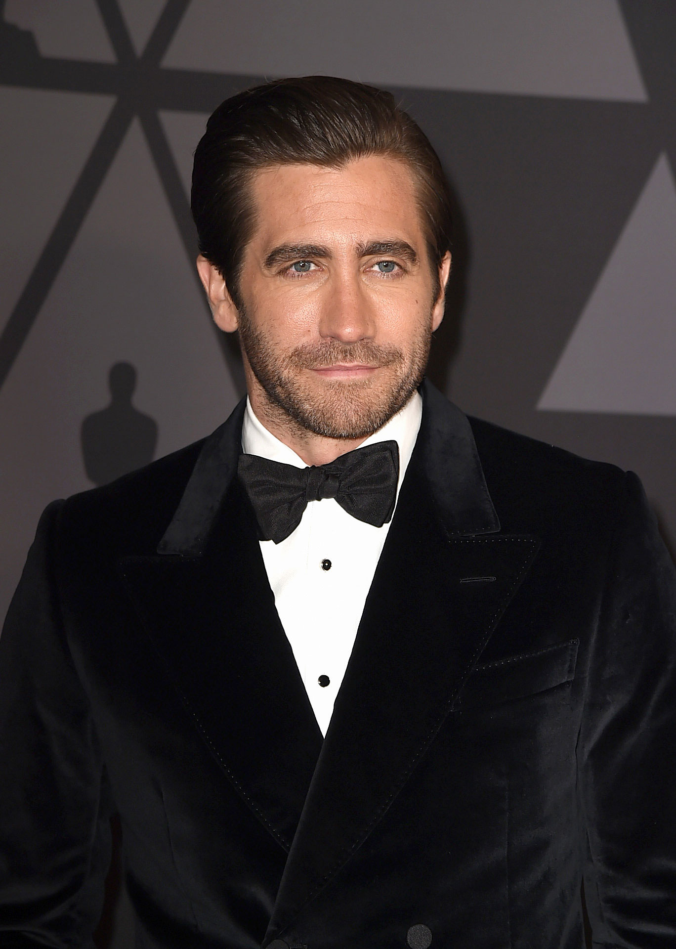 Jake Gyllenhaal - Stars Who Have Never Won Oscars - The Velvet Buzzsaw star came close to nabbing an Oscar once in 2006 for his supporting role in Brokeback Mountain , but no cigar here; he was beat out by George Clooney .