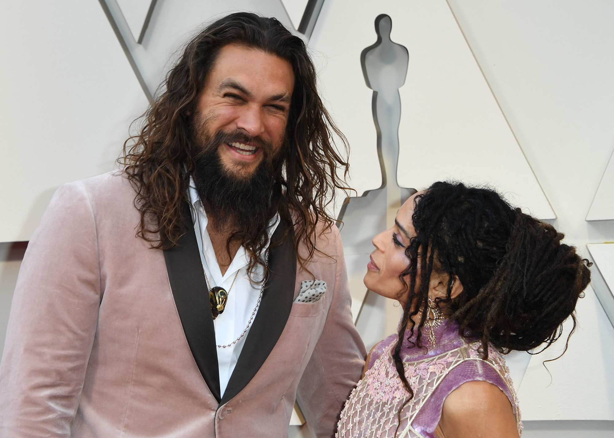 Oscars 2019: Jason Momoa, Lisa Bonet Match in Pink on Red Carpet