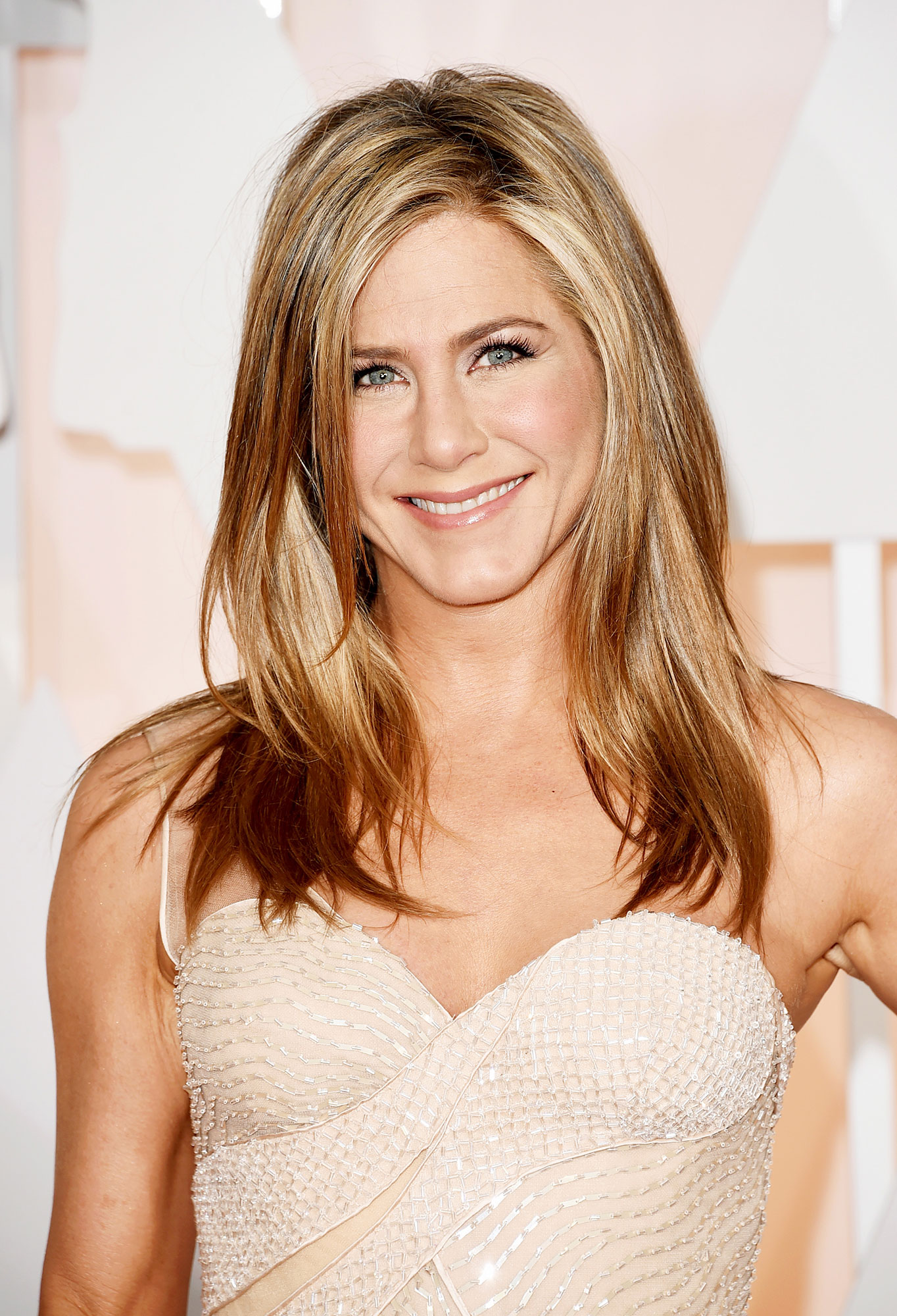 Jennifer Aniston - Stars Who Have Never Won Oscars - She may be America's sweetheart, but the Friends alum has never even been nominated for an Academy Award, despite her more serious roles in films such as The Good Girl and Cake . She did, however, win a Golden Globe for her famous role in her long-running NBC hit.