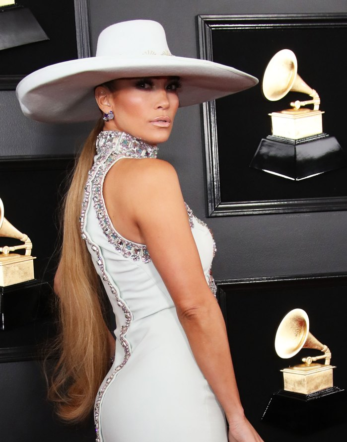 Get Tressed With Us¹ Podcast: Jennifer Lopez¹s Hairstylist Breaks Down Her 2019 Grammys Beauty Looks