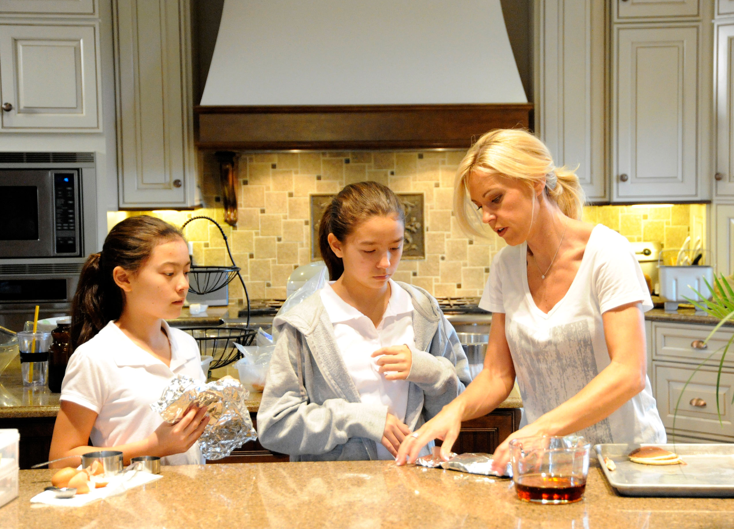 Kate Gosselin Makes Rare Appearance With Kids, Talks Dating Show - Fans of Jon & Kate Plus 8 have watched the Gosselin kids grow up. The college students have come a long way since their first TV appearance in 2007.