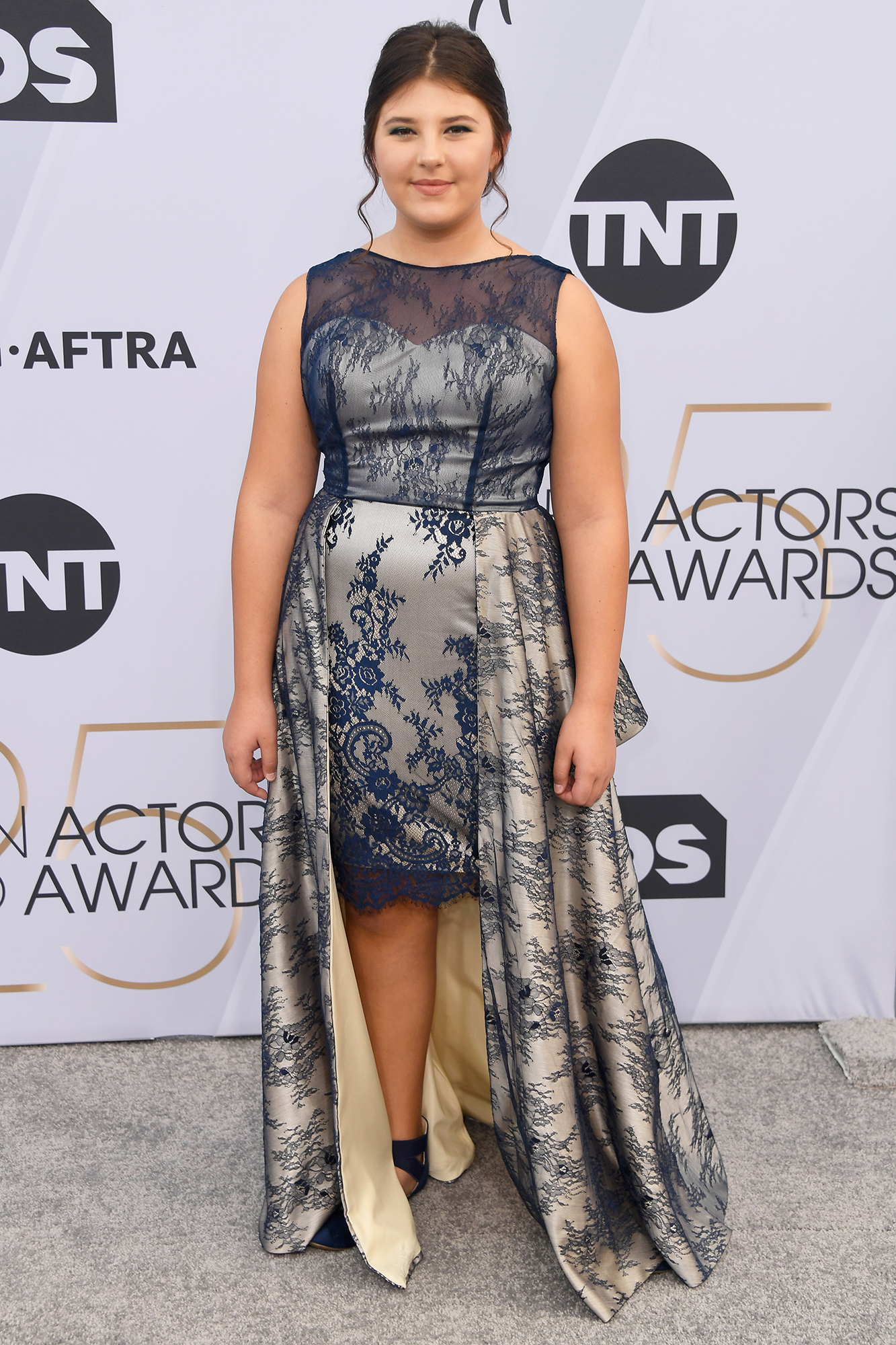 Let Them Eat! Melissa McCarthy, Gemma Chan and More Stars Who Brought Food to Awards Shows - The This Is Us actress attended the Screen Actors Guild Awards in January 2019 and brought some Girl Scout cookies to sell to the A-list crowd.