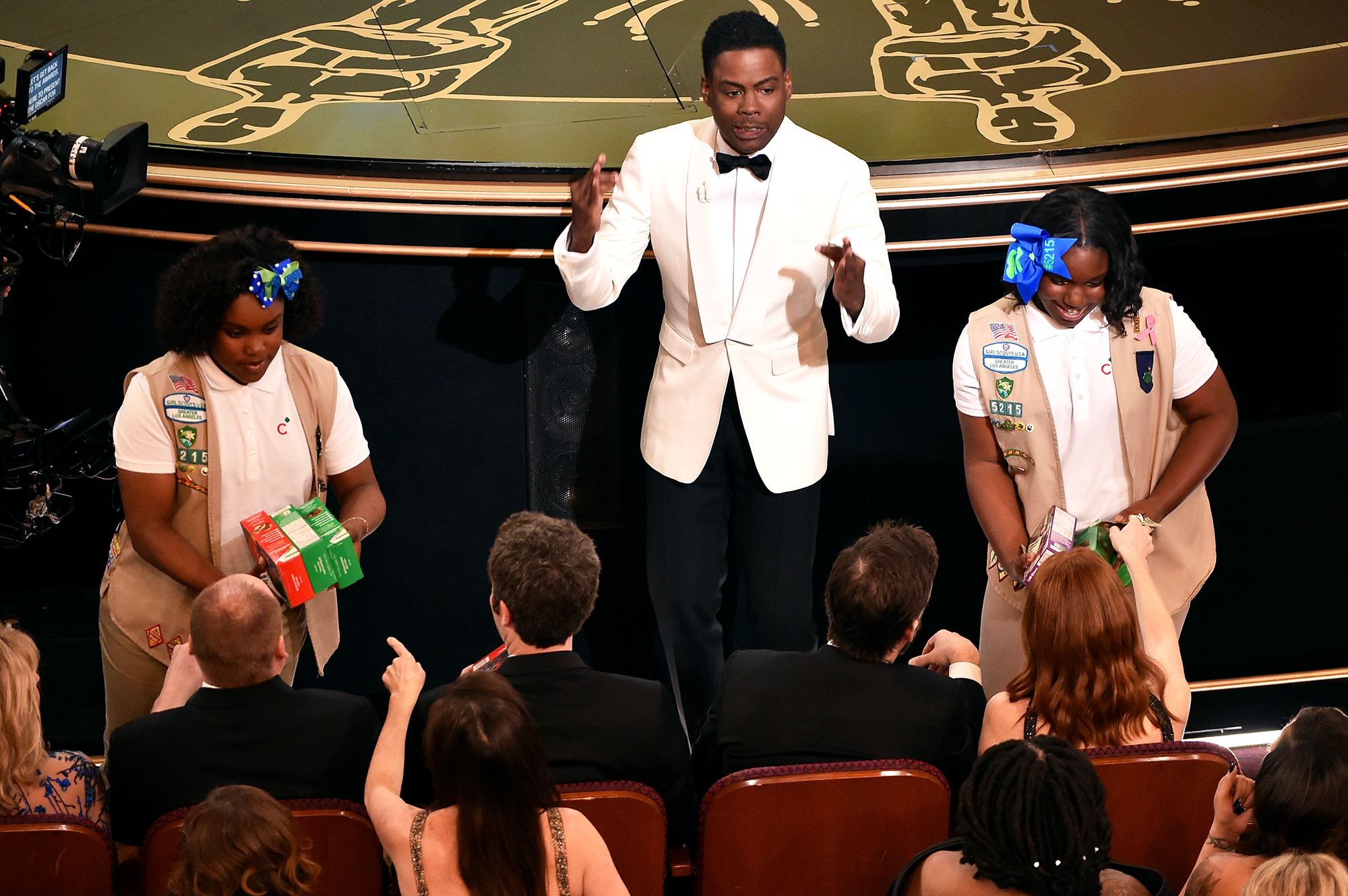Let Them Eat! Melissa McCarthy, Gemma Chan and More Stars Who Brought Food to Awards Shows - When the comedian hosted the Oscars in 2016, he relied on his daughter's Girl Scout troop to provide some much-needed snacks.