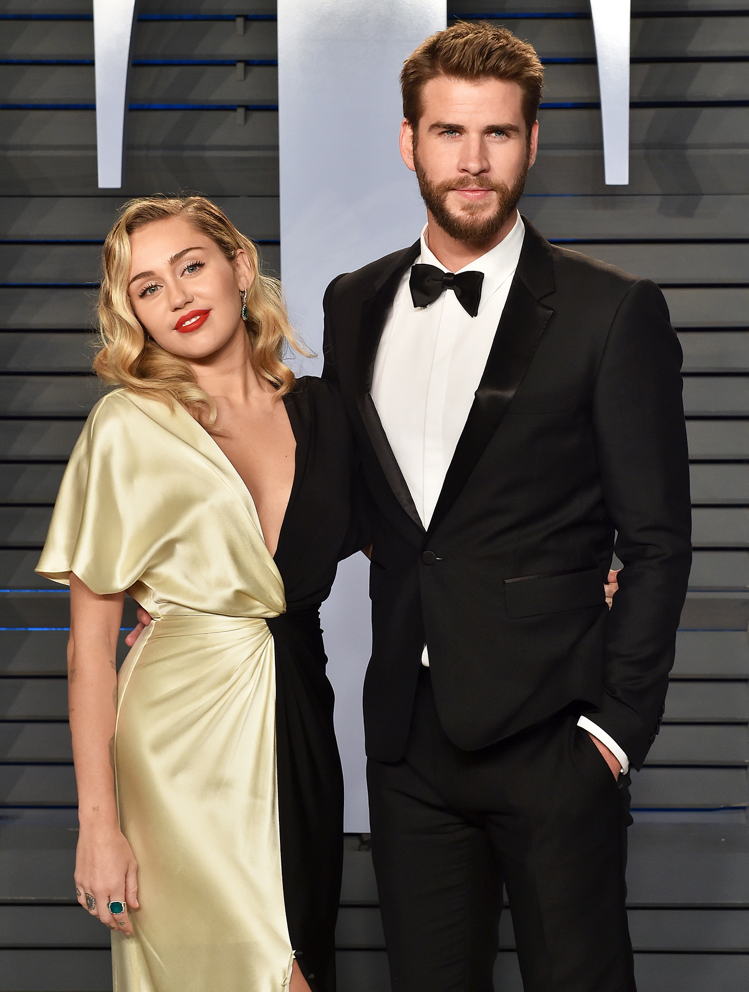 Miley Cyrus Liam Hemsworth Not Well Kidney Stones