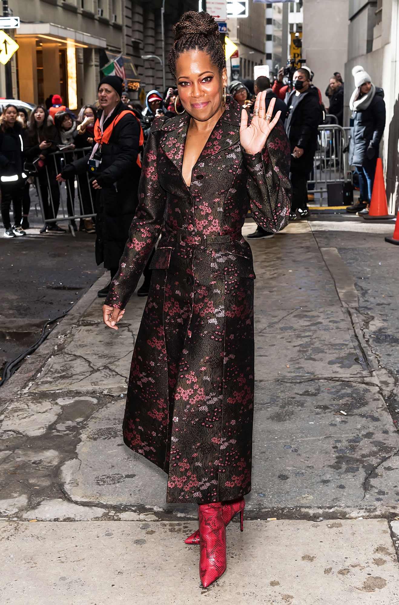 Regina King nyfw new york fashion week - The If Beale Street Could Talk star attended the Michael Kors show on February 13 in a gorgeous floral pink and black coat with snakeskin heeled booties.