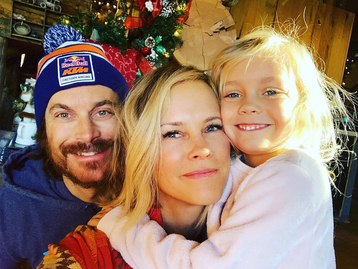 "Oliver-Hudson More Celebs Post Tributes to Their Loves on Valentine's Day - ""My beautiful girls!! The SUN in my SHINE!!! The loves of my life!!!! HAPPY VALENTINES DAY my babies!!! Not sure what I'd do without my blondies,"" the Splitting Up Together actor penned alongside a pic that included his wife and daughter, Rio."