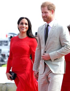 Pregnant Duchess Meghan Admitted to Hospital in Early Stages of Labor