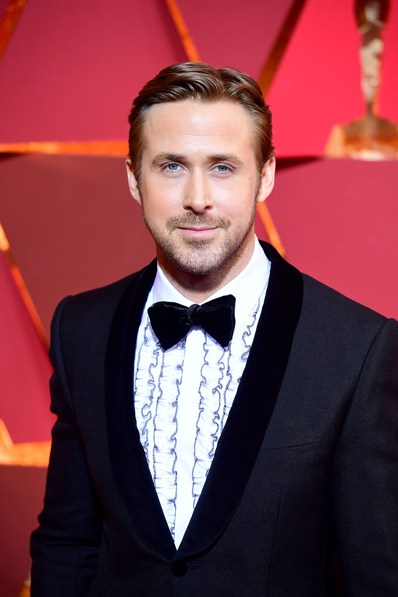 Ryan Gosling - Stars Who Have Never Won Oscars - Gosling was robbed of his would-be Oscar in 2017, when he (and the rest of the cast of La La Land ) was announced as the Best Picture winner, only to find that announcers Warren Beatty and Faye Dunaway had been given the wrong cue card : The real winner was Moonlight . The First Man star was also snubbed for Best Actor that year, losing out to Manchester by the Sea 's Casey Affleck .