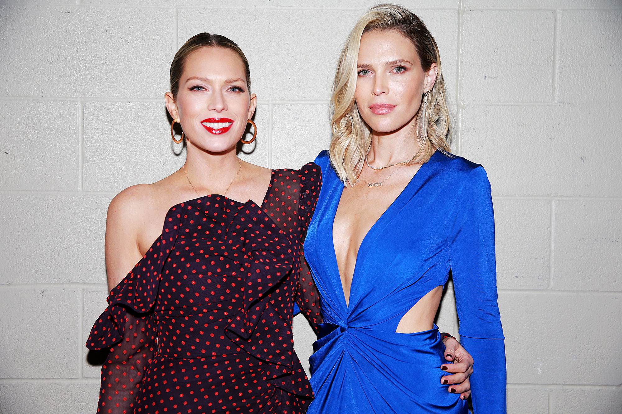 Sara and Erin Foster - Erin Foster (L) and Sara Foster attend the 2018 iHeartRadio Music Festival at T-Mobile Arena on September 21, 2018 in Las Vegas, Nevada.