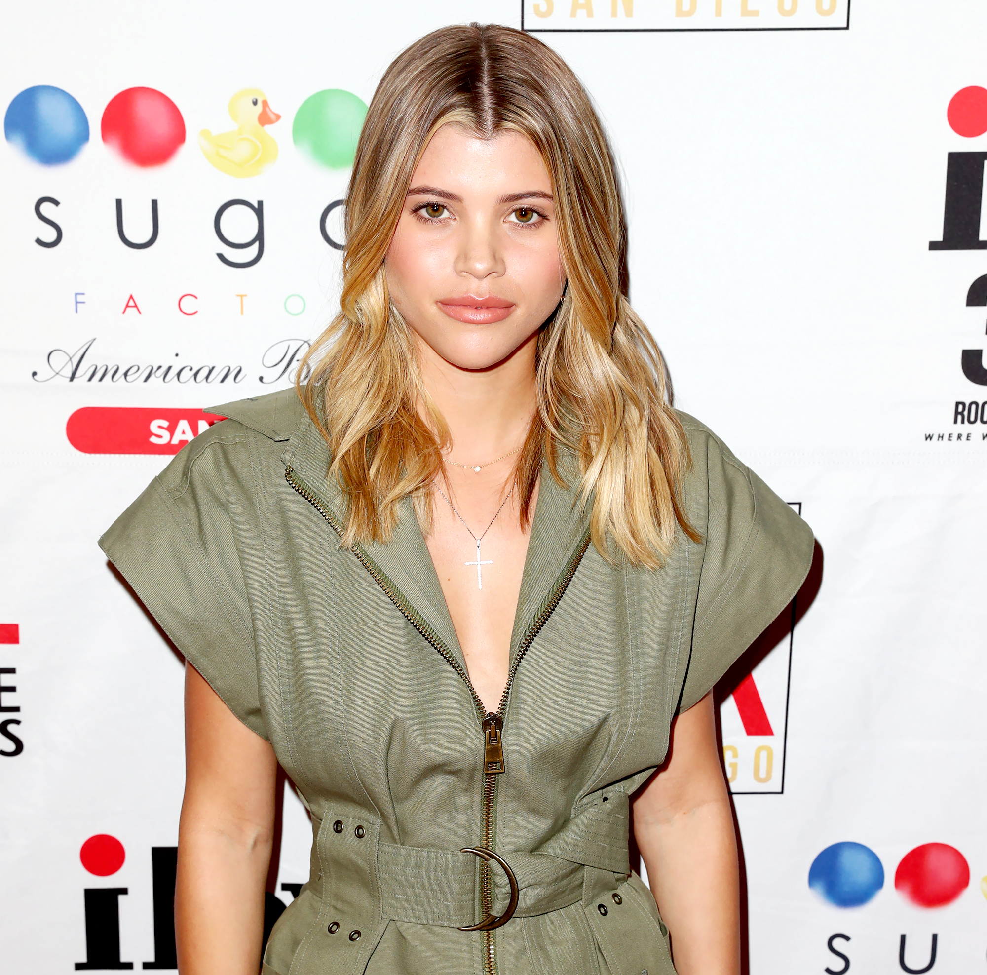 Sofia-Richie-keeping-up-with-the-kardashians - Sofia Richie celebrates Valentine's Day at San Diego's new Theatre Box® Entertainment Complex with dinner at Sugar Factory American Brasserie at Theatre Box® on February 14, 2019 in San Diego, California.