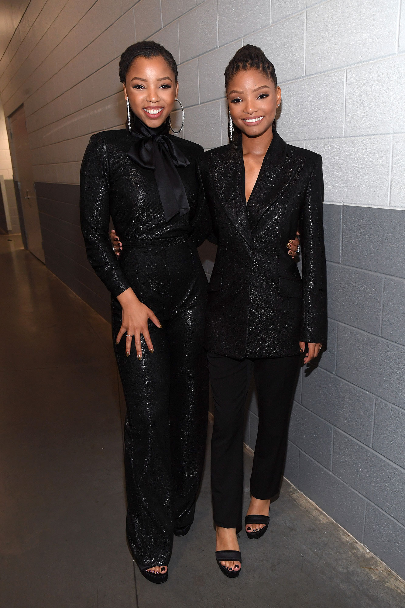 Gallery Super-Bowl-53-Chloe-X-Halle - The R&B duo wore shimmery black outfits for their pre-game performance.