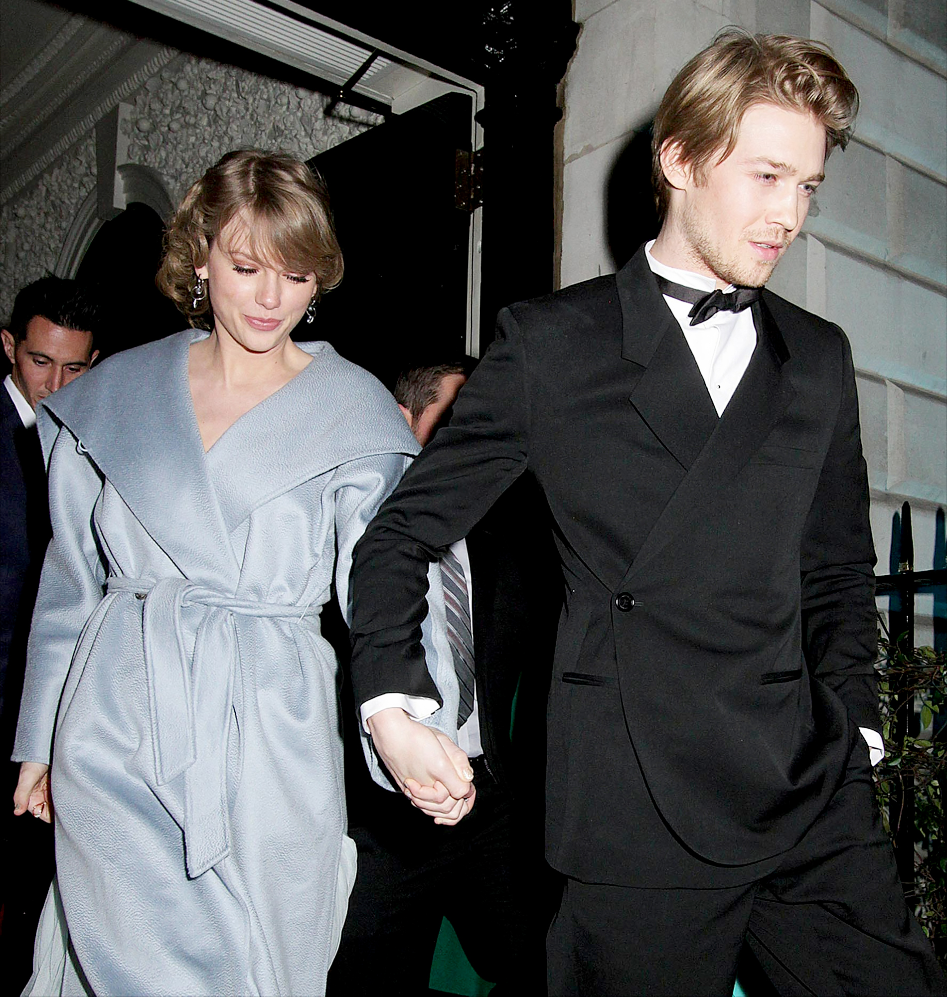 Taylor-Swift-Joe-Alwyn-bafta-after-party - North America Rights Only – London, UK -20190210- Taylor Swift and her latest boyfriend, Joe Alwyn are seen holding hands while out to the Vogue Bafta Event. -PICTURED: Taylor Swift, Joe Alwyn -PHOTO by: Blitz Pictures/INSTARimages.com Disclaimer: This is an editorial, rights-managed image.